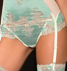 Dámske tangá ROZA caryca string krémovej