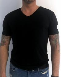 Pánske tričko Guess U02M01 čierne